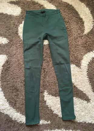 Зелені укорочені штани skinny h&m