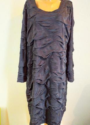 Эфектное платье бохо из драпированной ткани большого размера