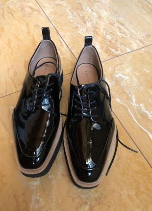 Лоферы, броги, туфли zara