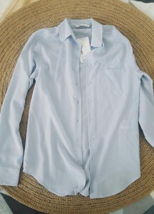 Светло-голубая офисная рубашка