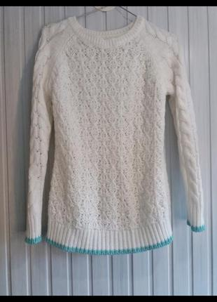 Теплый вязаный свитер свитерок