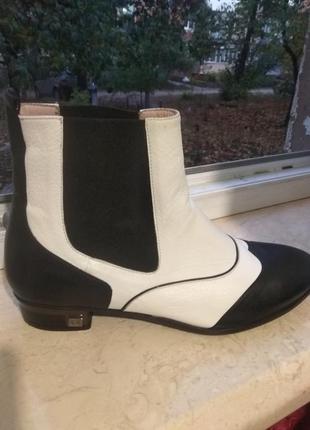 Демо ботинки