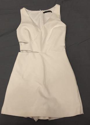Белый комбинезон зара, платье с шортами, разрезы на талии