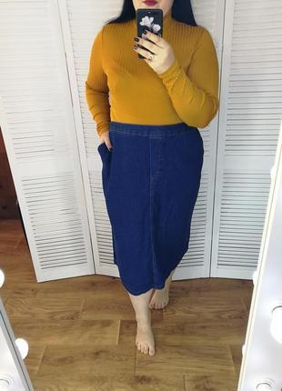 Стильная джинсовая юбка длины миди, р. 32