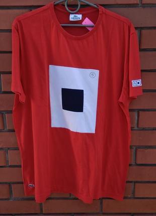 Красная мужская футболка lacoste