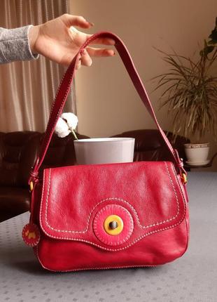 Кожаная красивая красная сумка фирмы radley  в новом состоянии