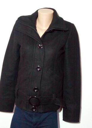 Красивая куртка. 59% шерсти.
