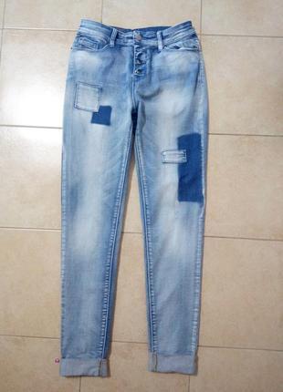 Модные джинсы бойфренды
