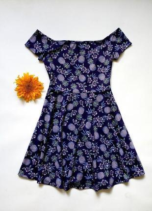 Трикотажное платье с приспущенными плечами m-l