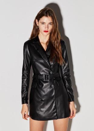 Новое кожаное платье пиджак трэнч bershka размер xs