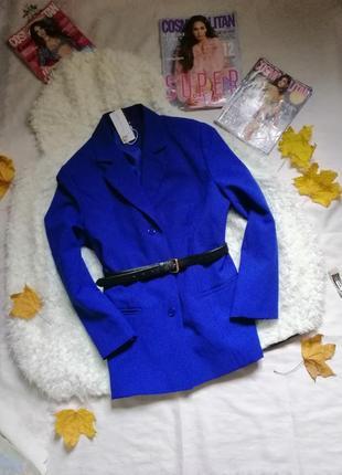 Цупкий трендовий якісний пиджак кольору електрик
