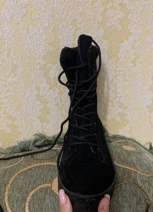 Ботинки ,чоботи осінь