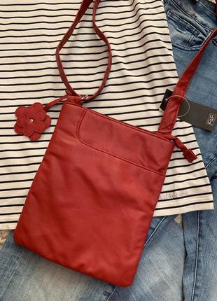 Фирменная красная сумка f&f,сумочка кросс-боди