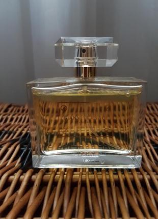 В наличии парфуми gianni versace