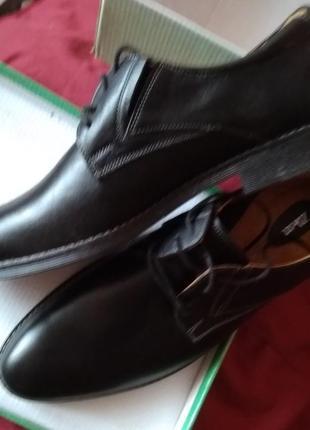 Новые кожаные демисезонные мужские туфли