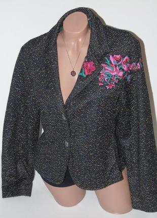 Жакет с вышивкой /35% шерсть per una/16 размер