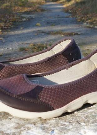 Гарненькі мокасіни crocs