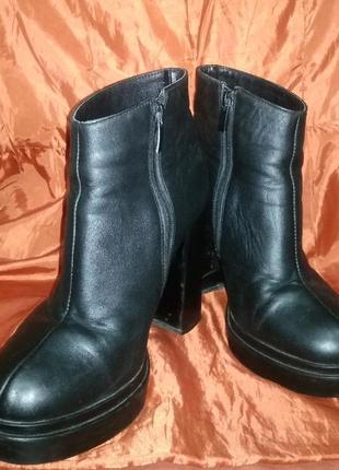 Ботинки / ботильоны на каблуке кожа