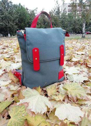 Рюкзак городской из ткани и натуральной кожи.