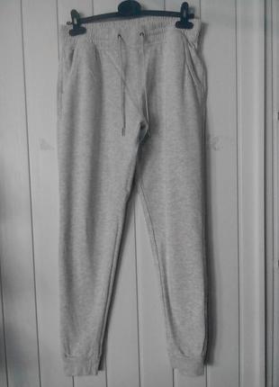 Трикотажные хлопковые спортивные штаны на манжетах