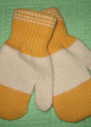 Тёплые рукавички на девочку до 3-х лет