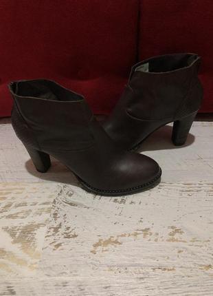 Кожаные шикарные ботинки 41рр