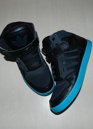 Кроссовки adidas high tops