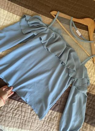 Голубая блуза с воланами zara блакитна блуза з сіткою і воланами