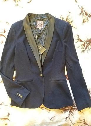 Новый крутой пиджак next со вставками из кожзама