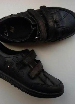 Туфли clarks р.uk9,5g, наш 27-28 кожаные кеды девочке, стелька 17см