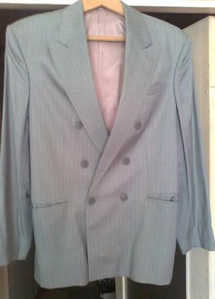 Новый пиджак мужской с легким чуть заметным отливом р.48-52