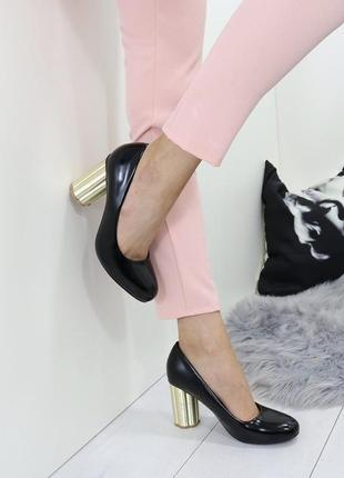 Новые женские черные туфли