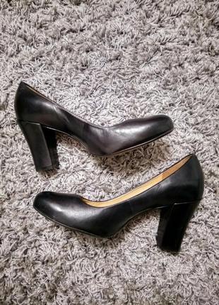 Классические туфли clarks