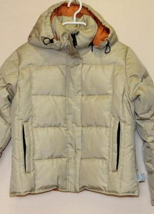 Курточка-пуховик quiksilver, размер s.