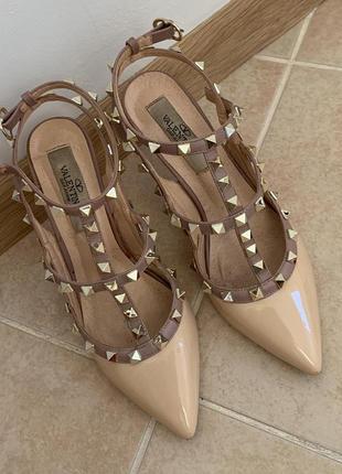 Туфли бежевые valentino