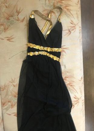 Черное вечернее платье в пол с открытой спинкой