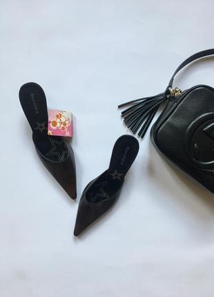 Стильні туфлі bershka