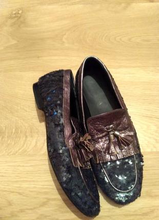 Туфлі з паєтками для немаленької ніжки