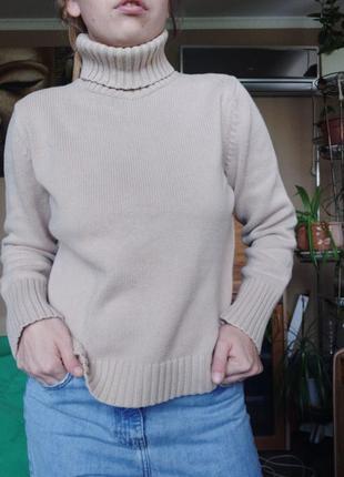 Базовый свитер под горло