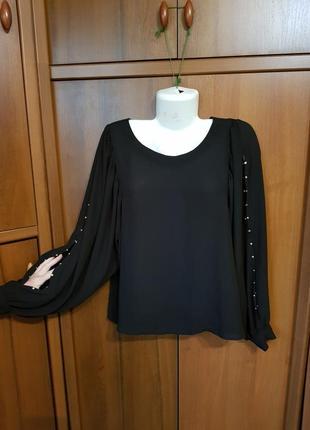 Нарядный блузон с пышными рукавами размера 54-56.