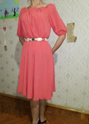 Воздушное , романтическое платье кораллово-розового цвета.