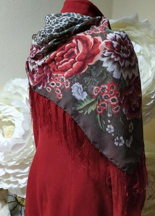 Платок в цветах