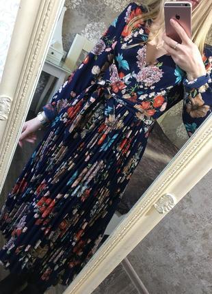 Плиссированное платье платье в цветы