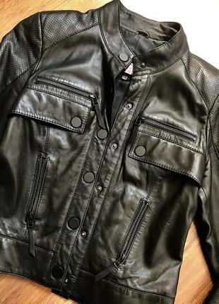 Куртка кожаная,лайка ,демисезонная