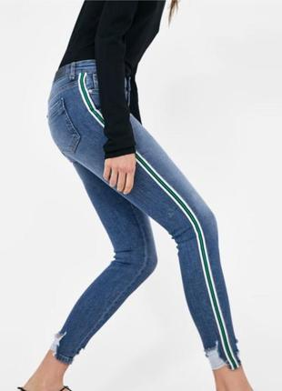 Крутые модные узкие высокие джинсы скинни с лампасами zara , размер 44 - 46