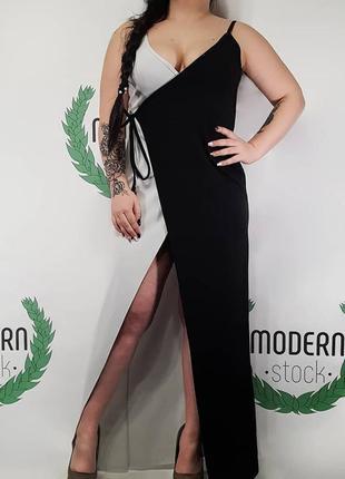 Черное-белове платье в пол от prettylittlething
