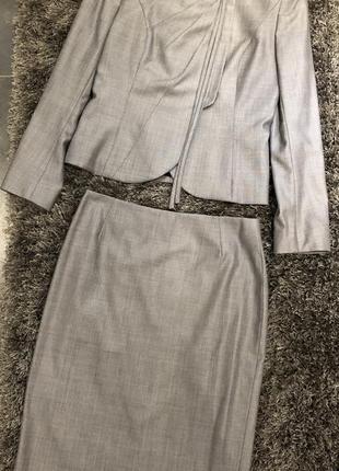 Костюм женский с юбкой escada 36 оригинал серый