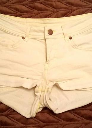 Жёлтые короткие шорты h&m