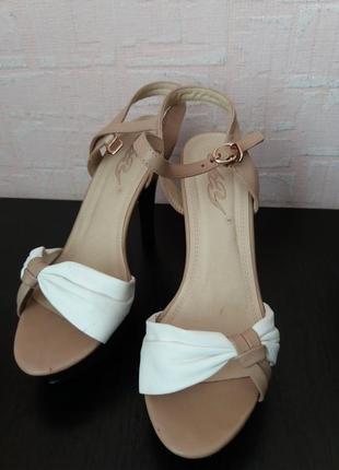 Босоножки yuzhuye shoes