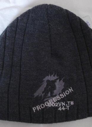 Теплая серая шапка для мальчика